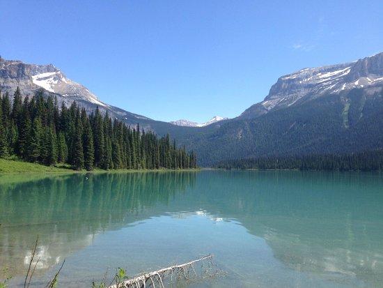 Fairmont Chateau Lake Louise: Emerald Lake Nearby