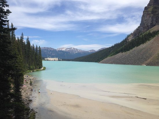 Fairmont Chateau Lake Louise: Reverse View