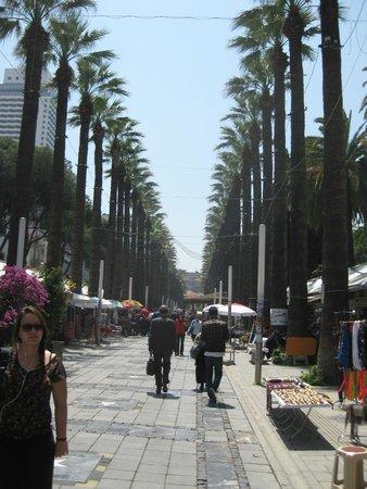 Hotel Baylan: Shopping street