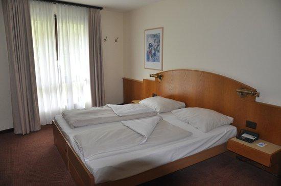 Dorint Blümlisalp Beatenberg/Interlaken: dormitorio