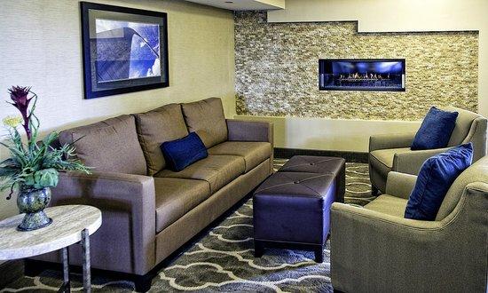 Comfort Inn St Louis - Westport: Rear Lobby Area