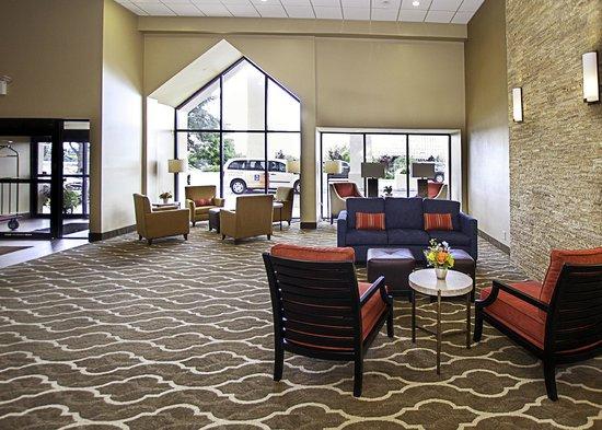 Comfort Inn Westport: Front Lobby