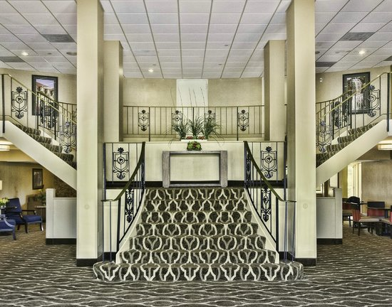 Comfort Inn St Louis - Westport: Lobby Foyer