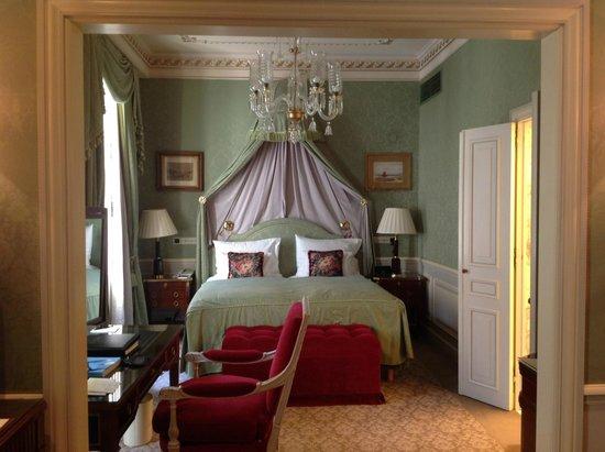 Hotel Sacher Wien: Canopy bed - royalty like
