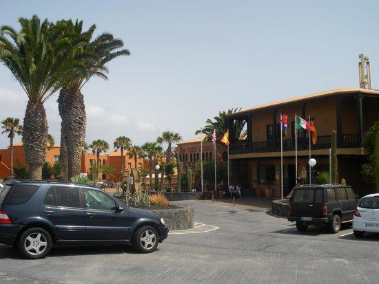 Oasis Duna Hotel : Entrée de l'hôtel
