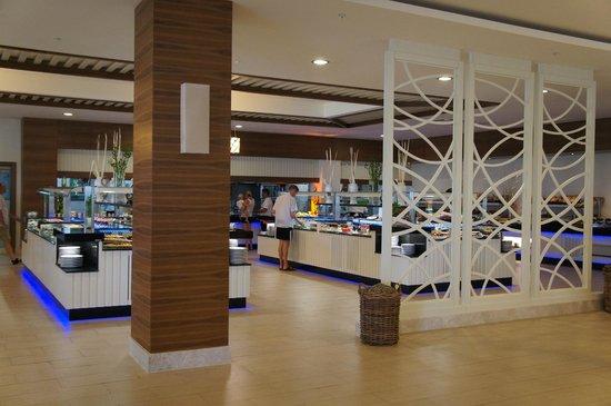 Paloma Oceana Resort: Buffet Restaurant