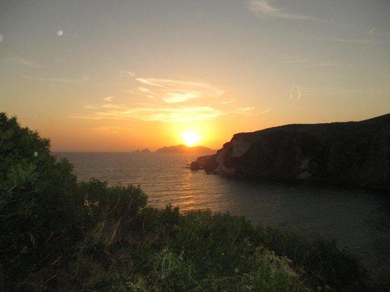 Grand Hotel Chiaia Di Luna : sunset from the lounge