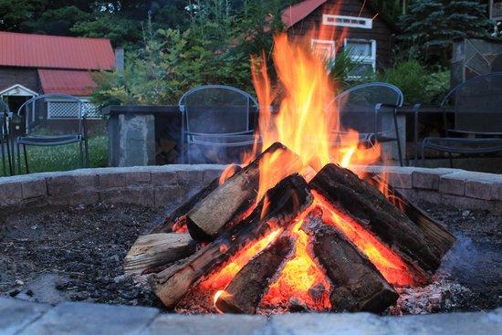 Belleayre Lodge: Camp Fire
