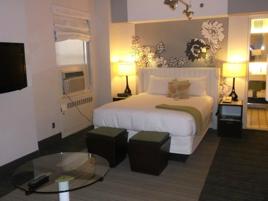 Stewart Hotel: small but comfortable bed