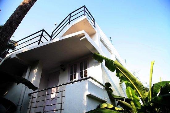 Aaron's Homestay: Balcony for Room No.2