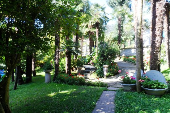 Hotel Beau Rivage : Giardino interno