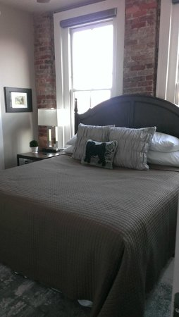 The Windsor Boutique Hotel: King Bed