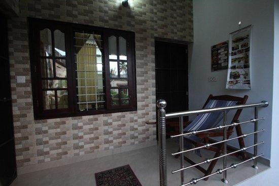 Aaron's Homestay: Balcony for Room No.3
