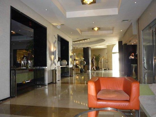 Golden Tulip Farah Rabat : The Lobby