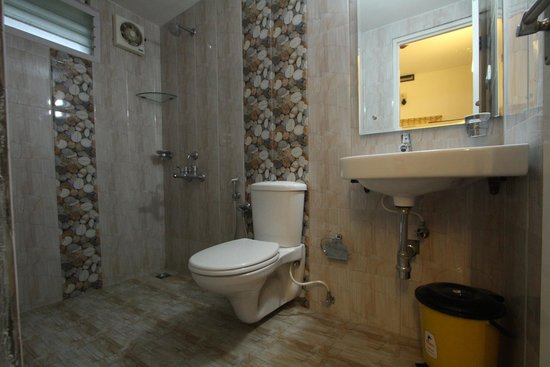 Aaron's Homestay: Bathroom for Room No.3