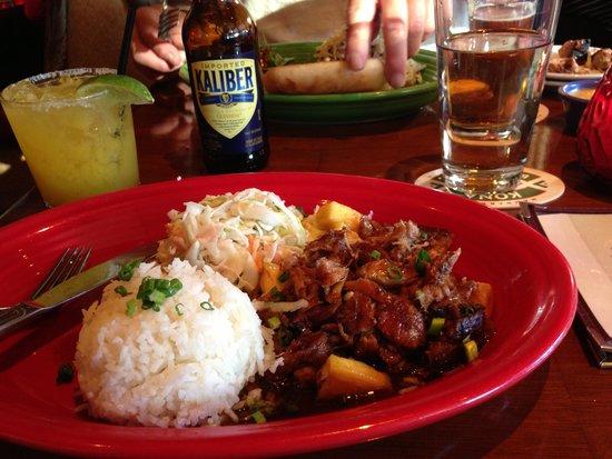 Hula's Island Grill : luau pork plate
