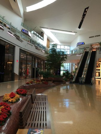 The Shops At Crystals: Crystals at CityCenter