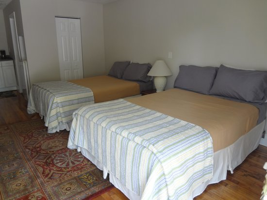 The Landings at Old Orchard Beach: Two Double Bed Suite