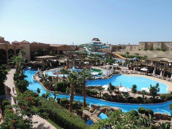 Coral Sea Aqua Club Resort: Wave Pool Lazy river & Slides
