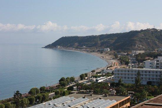 Amathus Beach Hotel Rhodes : вид из бара