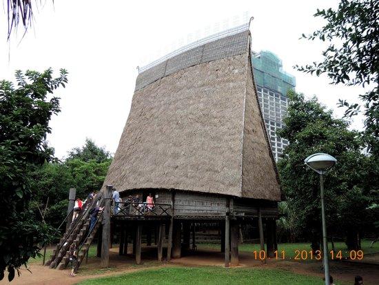 Museo de Etnología de Vietnam: Bahnar Communal house