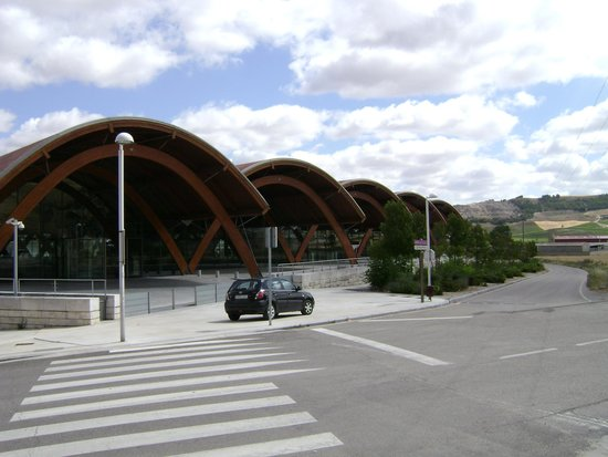 Bodegas Protos : Great Building
