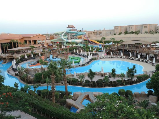 Coral Sea Aqua Club Resort: Pools