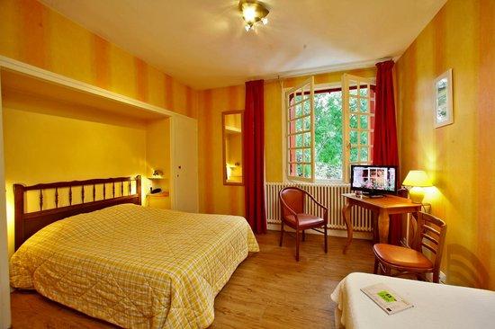 Hotel Restaurant La Charmille : Chambre double