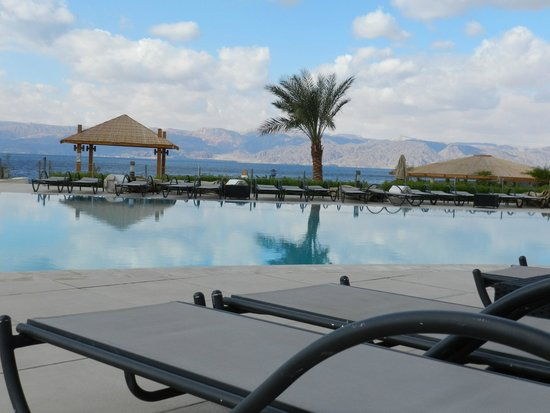 DoubleTree by Hilton Hotel Aqaba: Hotel Pool/Beach