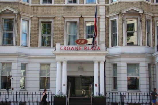 Crowne Plaza London Kensington: Hotel Facade