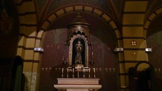 Mosteiro De Sao Bento: Santa