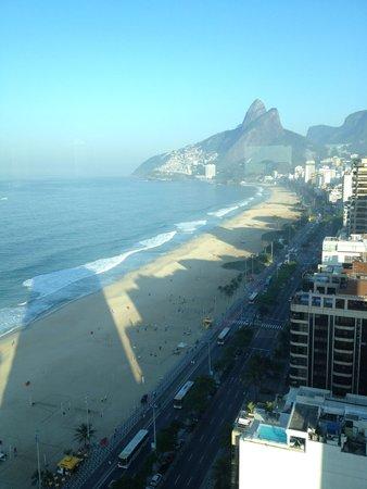 Sofitel Rio de Janeiro Ipanema: Beach view