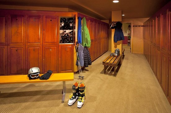 Edelweiss Lodge & Spa: Personal Boot Lockers for guests