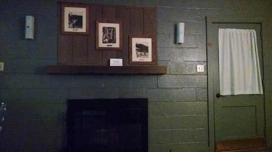 Fairy Stone State Park: Living room/Fireplace