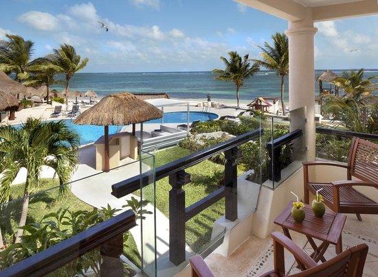 family swim up suite bathroom picture of azul beach. Black Bedroom Furniture Sets. Home Design Ideas