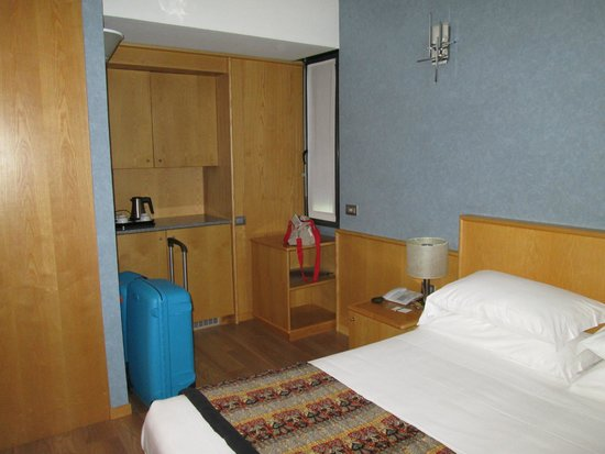 BEST WESTERN PLUS Executive Hotel and Suites: Habitación