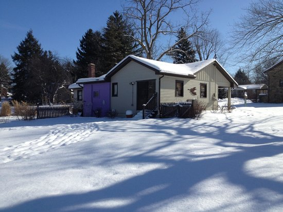 Willow House Cottage Suite: A bright winter day.