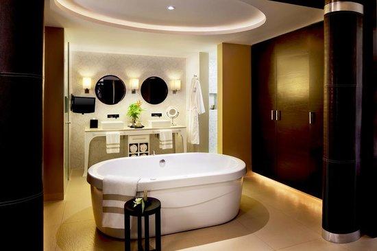 Azul Beach Resort Riviera Maya: Azul Royale Suite Bathroom