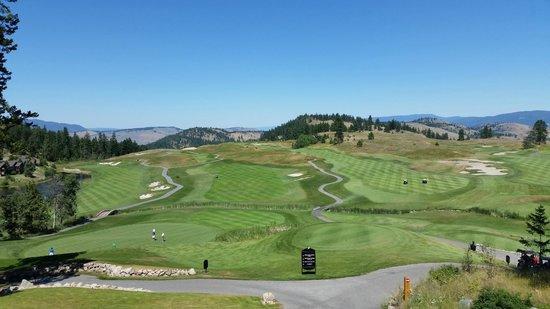 Predator Ridge Golf Resort: Clubhouse view of the Predator course