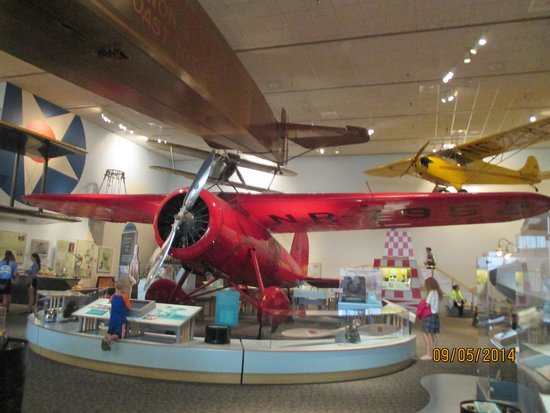 National Air and Space Museum : Le Lockheed Vega d'Amelia Earhart