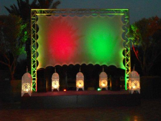 Pullman Marrakech Palmeraie Resort and Spa : grand ecran en attendant le match