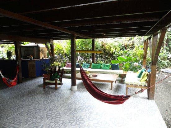 Cabinas Coconut Grove: Common area