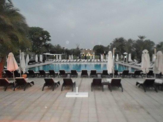 Pullman Marrakech Palmeraie Resort and Spa : vue de la piscine