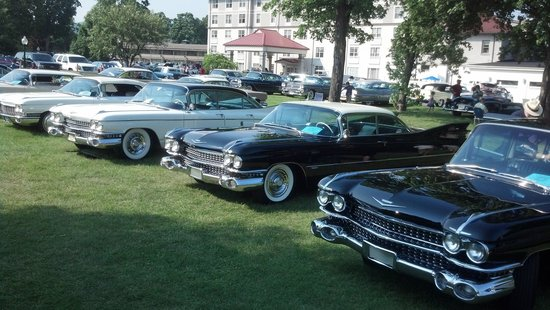 Fort William Henry Hotel and Conference Center: Cadillac & LaSalle Club Grand National Meet