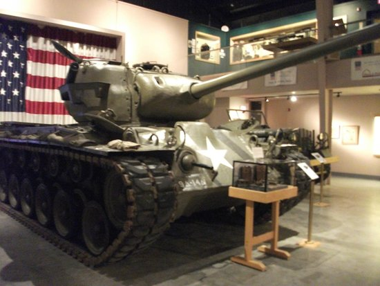 Wright Museum of WWII: 'Pershing' tank