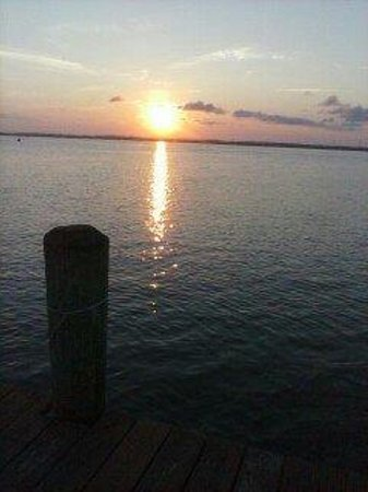 Waterside Inn: Sunset from the private dock