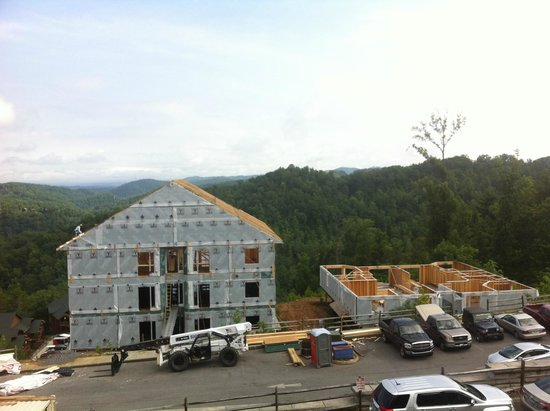 Westgate Smoky Mountain Resort & Spa: Construction next to building 3000.