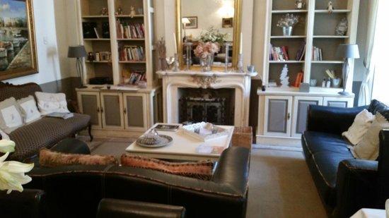 Hotel De Vigniamont: Living Room/Breakfast Room