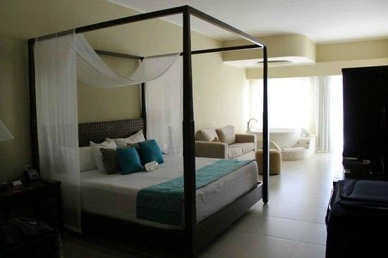 Azul Beach Resort Riviera Cancun : Jacuzzi suite