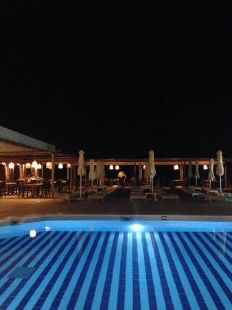 Iakinthos: View by night